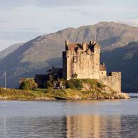800px-Eilean_Donan_castle_-_95mm.jpg